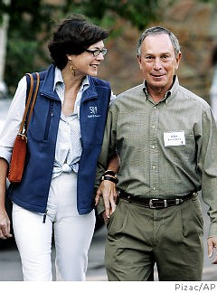 Casual Bloomberg and his lady love