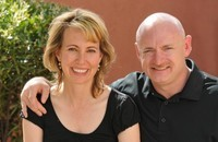 arizona_gabrielle_giffords_and_astronaut_husband_mark_kelly_