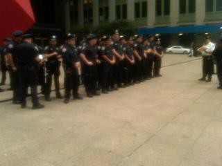 nypd_outside_occupy_wall_st