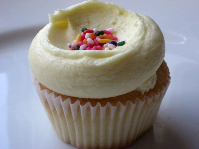 Billy's Daisy is a flower of a cupcake.