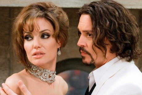 angelina_jolie_and_johnny_depp_in_the_tourist_460x307