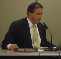 Councilman Brad Lander grills DHS Commissioner Seth Diamond during hearing.