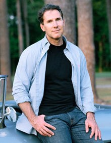 bestselling_author_nicholas_sparks