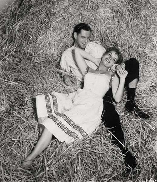 debbie_reynolds_and_tony_randall_in_the_mating_game_1959