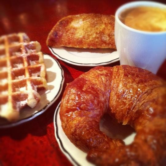 Prosecco and Pastries are the rage at this Sunset Park brunch spot