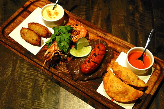 Appetizers include all manner of Brazilian tapas, including cod croquettes, meat pies, prawns, and sausage.