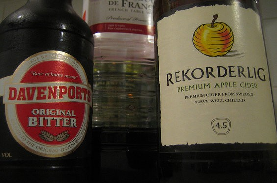 Cider + Bitters = An easy-to-drink cocktail