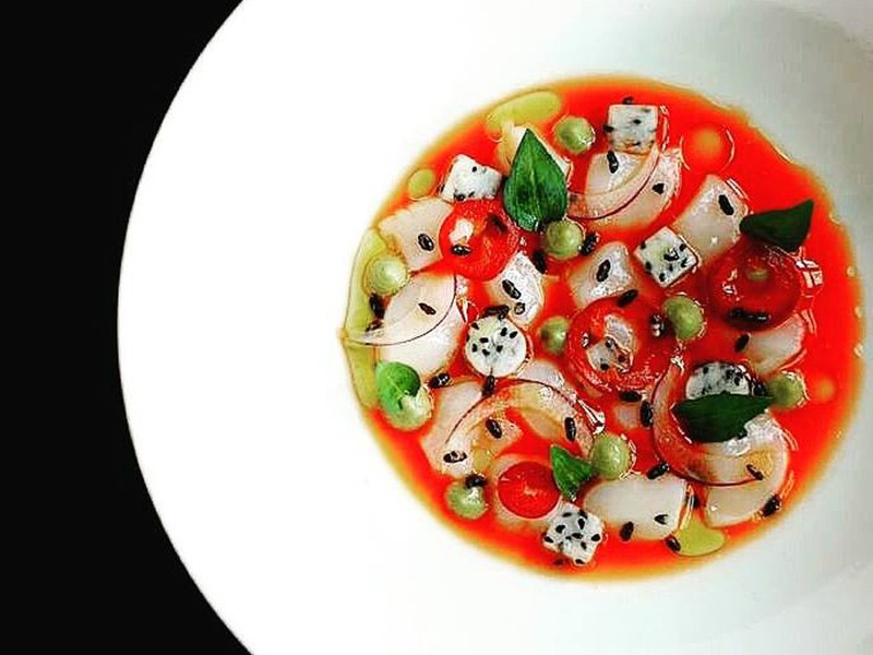 The chefs who made this scallop crudo also caught a criminal.