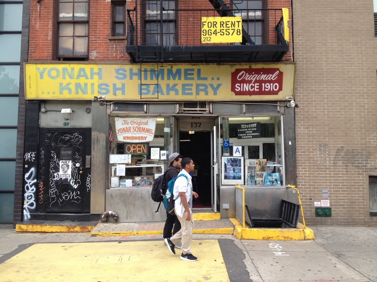 A place to nosh on knishes since 1910