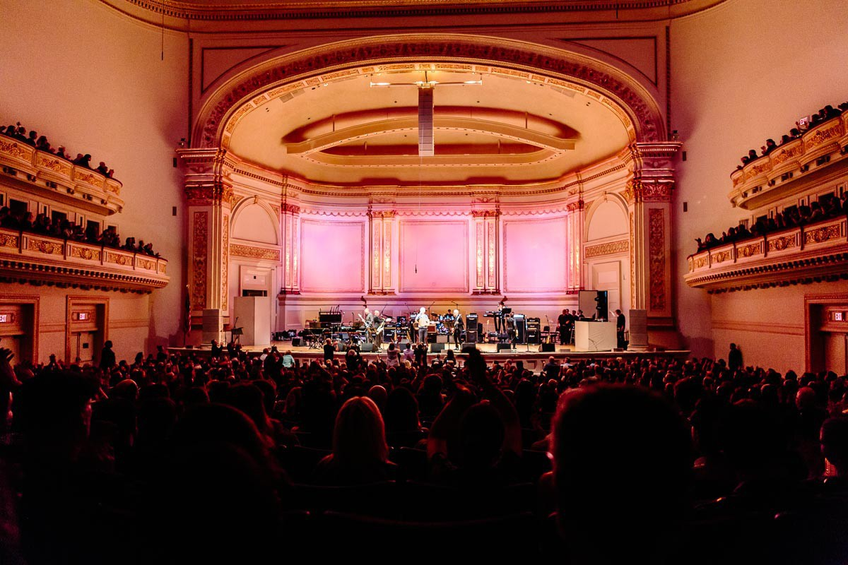 A packed Carnegie Hall sent off the Thin White Duke.