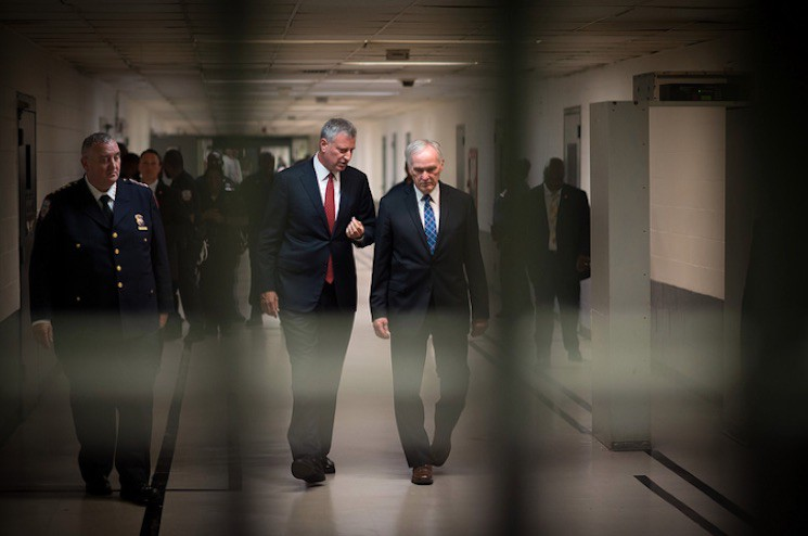 Mayor Bill de Blasio and then–Department of Correction commissioner Joseph Ponte tour Rikers Island on September 1, 2016.