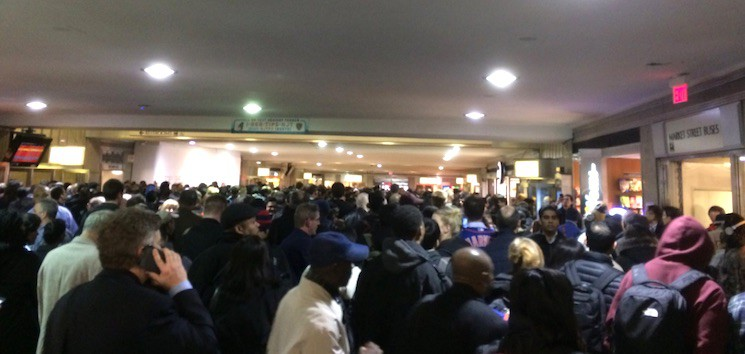 """""""Near-mob conditions at #NewarkPennStation thanks to @NJTRANSIT minor derailment in NYC 9 hrs ago @CommutingLarry"""""""